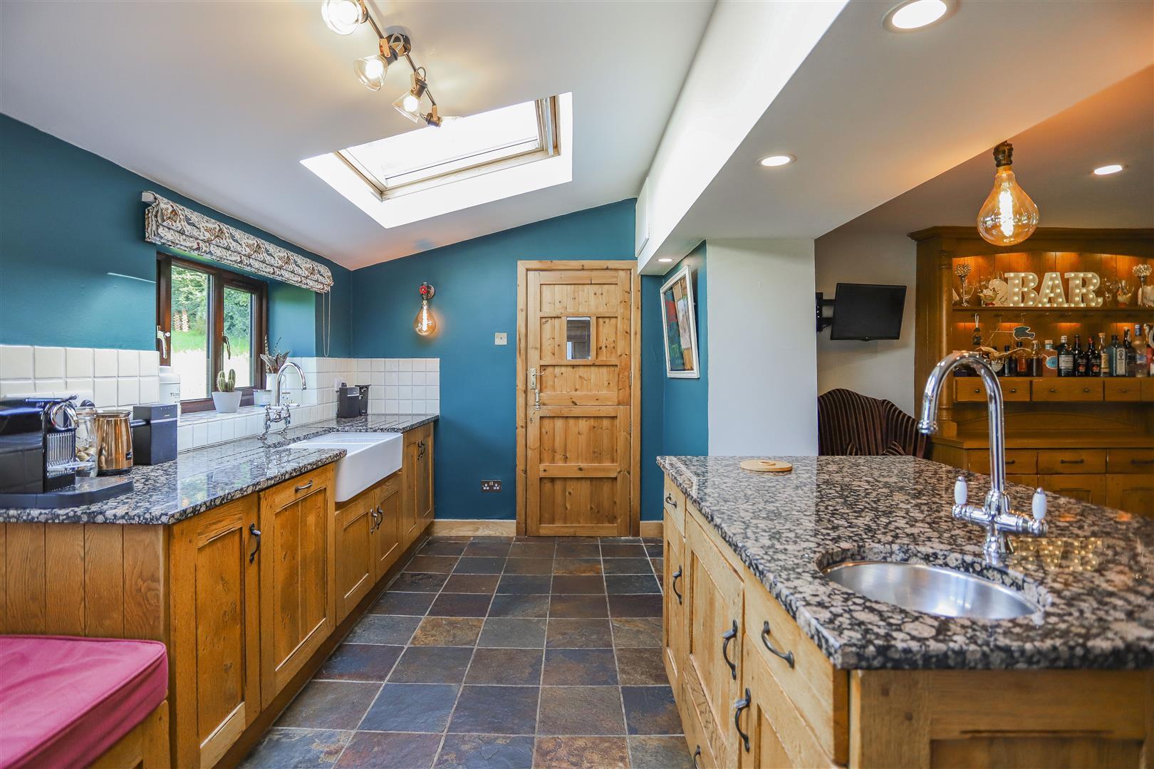 4 Bedroom Semi-detached House For Sale - 49.JPG